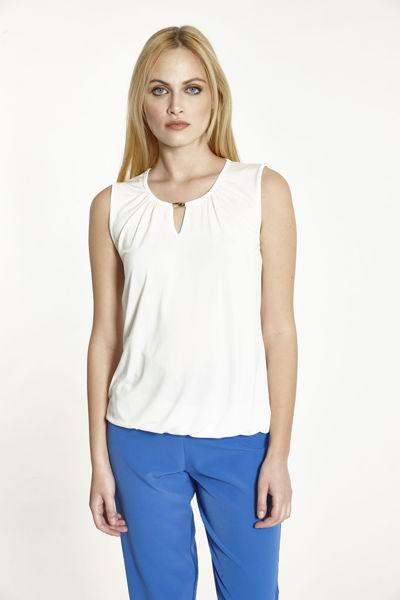 Εικόνα της Μπλούζα  Εκρού μονόχρωμη  αμάνικη με διακοσμητικό